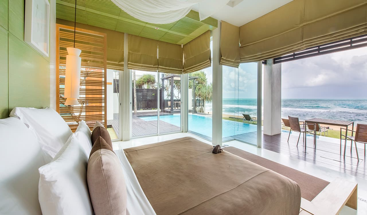 4 Bed Beach Villa - Master Bedroom with Terrace, Swimming Pool onto Beach - Aleenta Phuket Resort & Spa