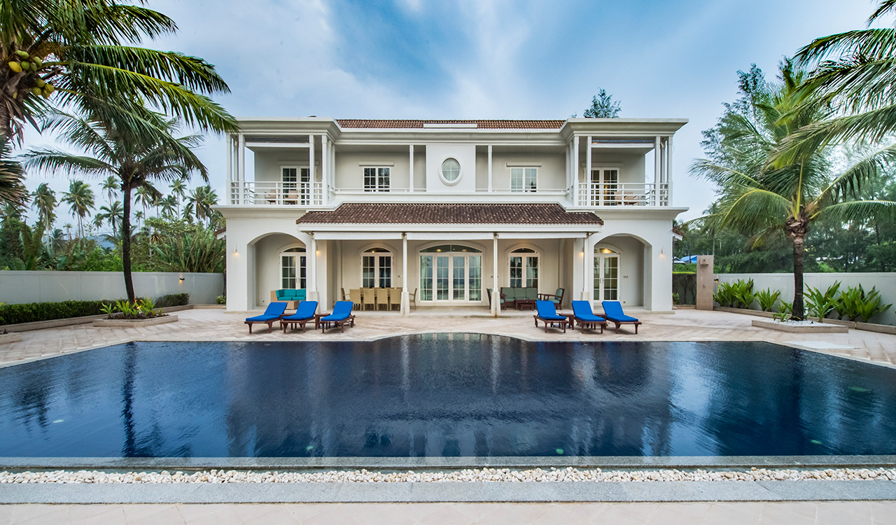 Aleenta Phuket Resort & Spa - Grand Villa Satis with private pool on the beach