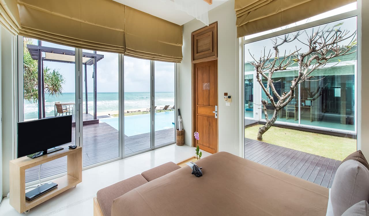 3 Bed Beach Villa - Bedroom with Sun Deck and Swimming Pool on Beach - Aleenta Phuket Resort & Spa