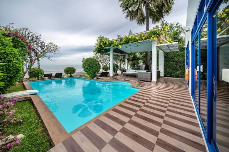 4 BEDROOM BEACHFRONT POOL VILLA