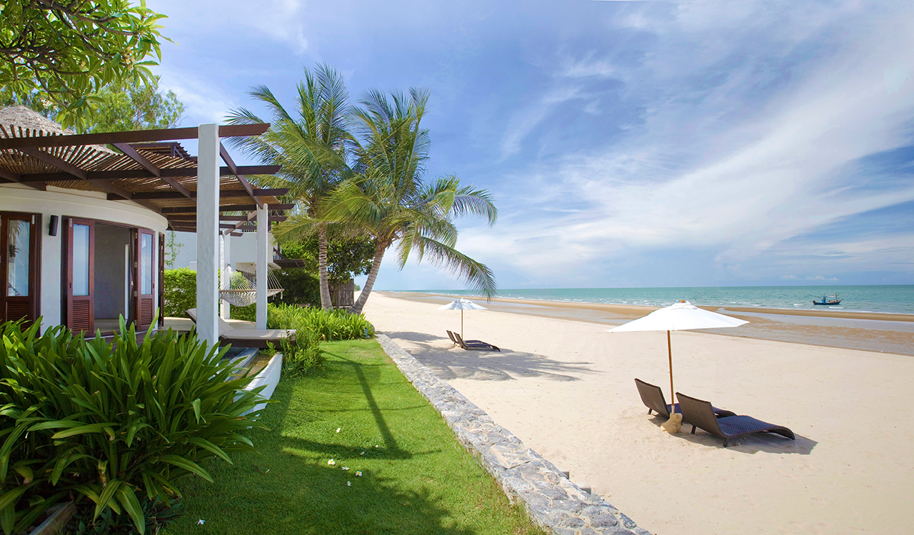 Aleenta Hua Hin Resort & Spa - Pool Residence directly on the beach