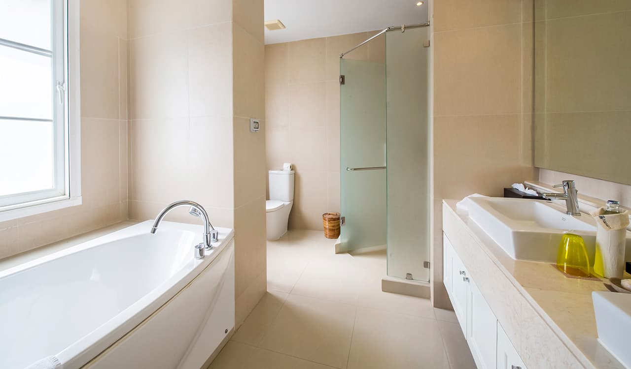 Villa Satis - En Suite Bathrooms with Shower and Bath - Aleenta Phuket Resort & Spa