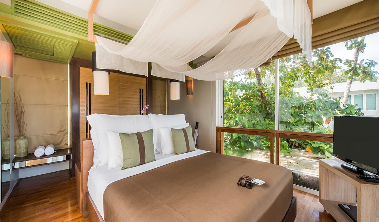 3 Bed Beach Villa - Double Bedroom, En Suite and Television - Aleenta Phuket Resort & Spa