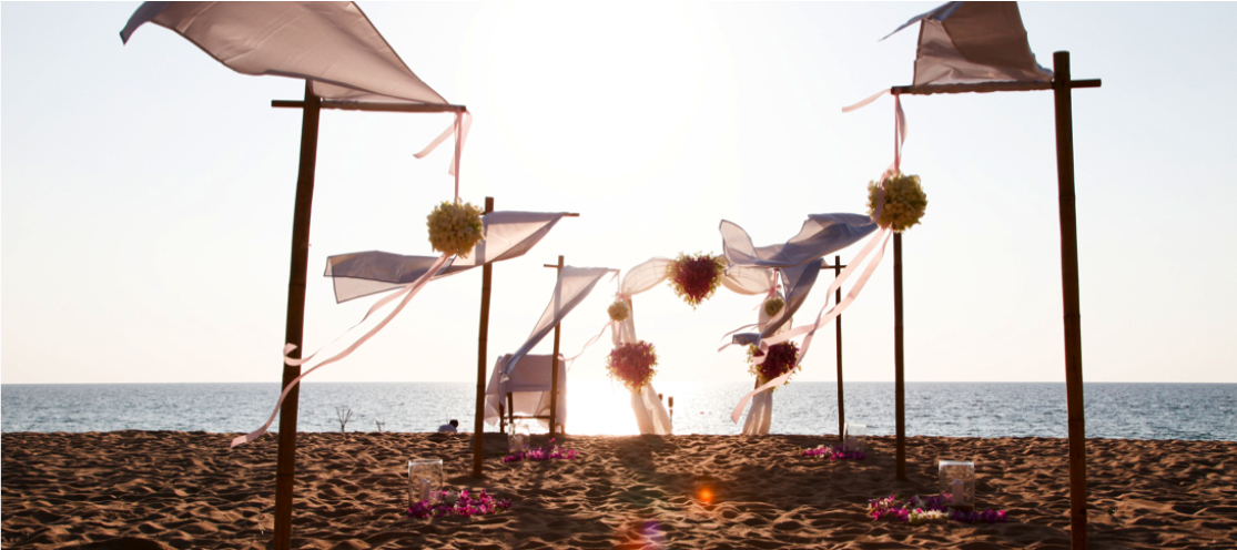 TOP 5 THINGS TO WEAR FOR YOUR BEACH WEDDING