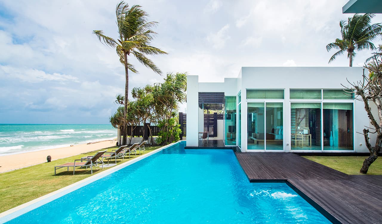 4 Bed Beach Villa - Swimming Pool, Sun Deck and Beach - Aleenta Phuket Resort & Spa