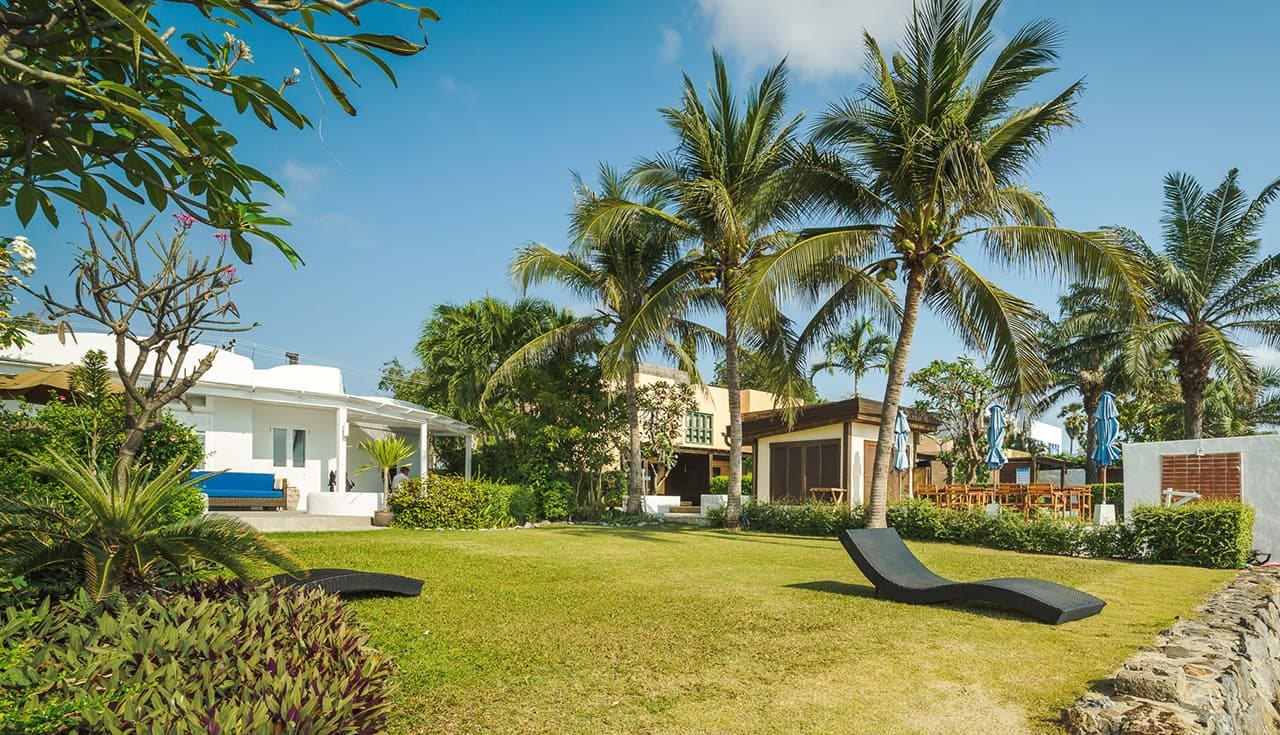 Chaba Beach Villa Terrace and Lawn Leading to Beach - Aleenta Hua Hin Resort