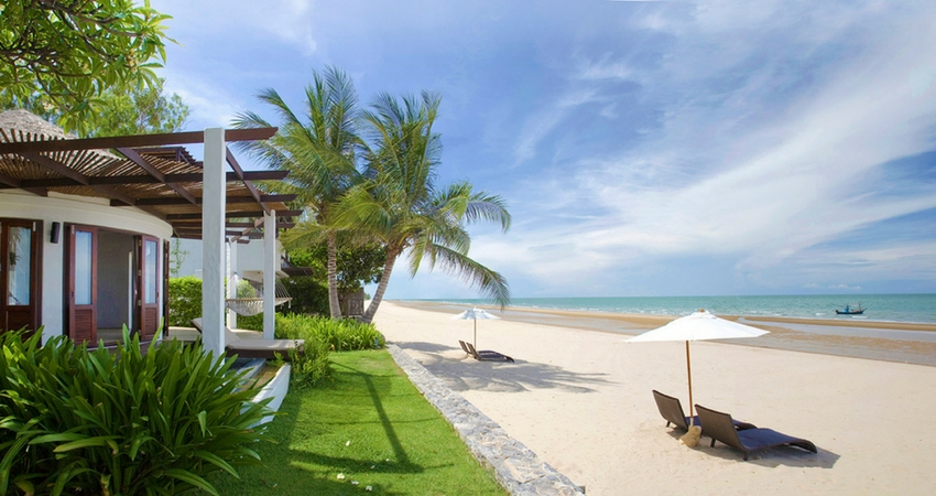 Beachfront Villa Holiday Hua Hin
